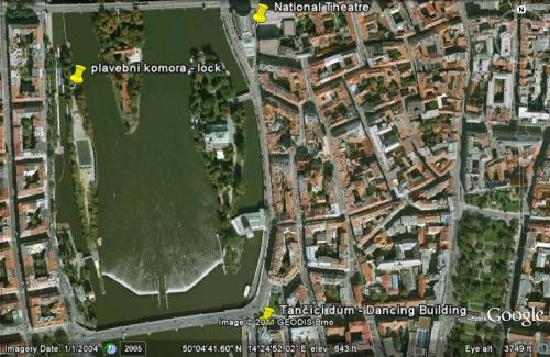 kayak Prague vltava fitness paddling kayakfari satellite river Charles Bridge lock National Theatre