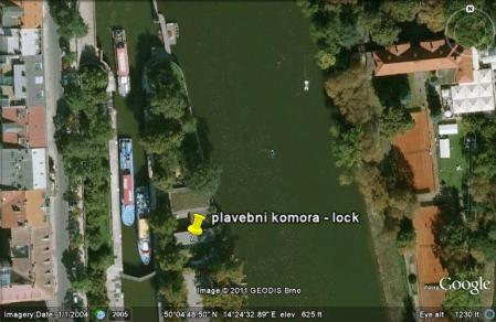 kayak Prague vltava fitness paddling kayakfari satellite river Charles Bridge lock chamber