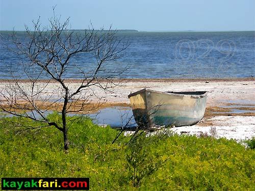 kayakfari.com Lower Arsnicker Key derelict boat flex maslan digital029art kayakfari