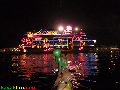 kayakfari Seminole Winterfest Boat Parade Ft Lauderdale Florida flex maslan kayak canoe alien Christmas lights Boca Raton 2014