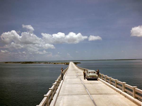JJS0134 floridamemory.com Flex Maslan kayakfari Bahia Honda kayak Keys 7 mile bridge beach coral reef paddle 1955