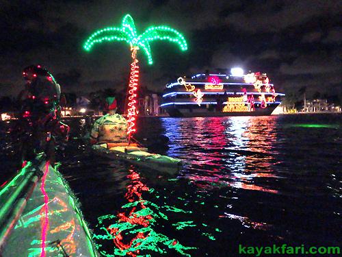 Fort Lauderdale Christmas Boat Parade.Paddling The 2015 Seminole Hard Rock Winterfest Holiday Boat