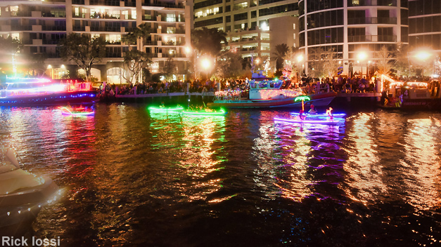 Flex Maslan Kayak Winterfest Boat Parade kayakfari Christmas lights Devo ft lauderdale 80s Holidays photography 2018 Rick Iossi