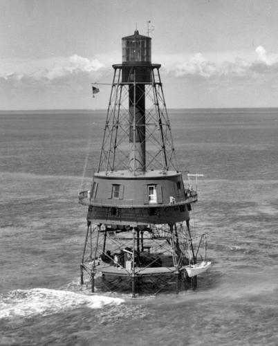 flex maslan Kayakfari carysfort reef lighthouse kayak paddle key largo pennekamp dive coral history photography surfski park 1962