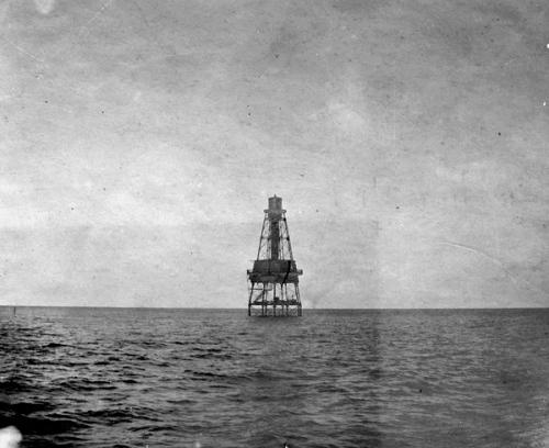 flex maslan Kayakfari carysfort reef lighthouse kayak paddle key largo pennekamp dive coral history photography surfski park 1900s